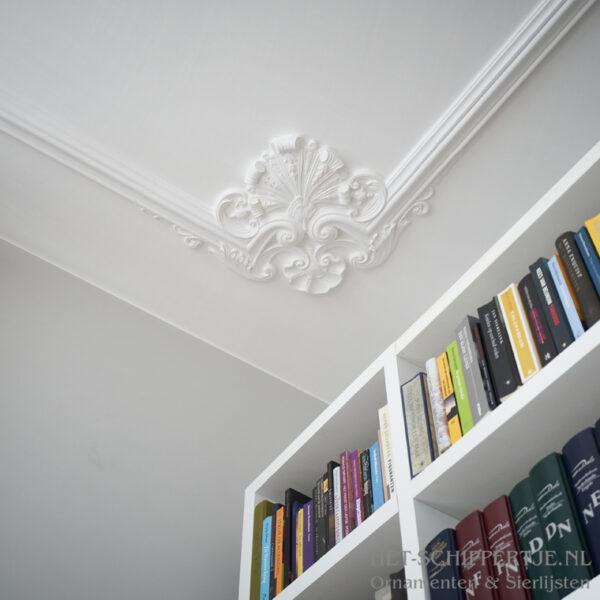 Hoek op plafond