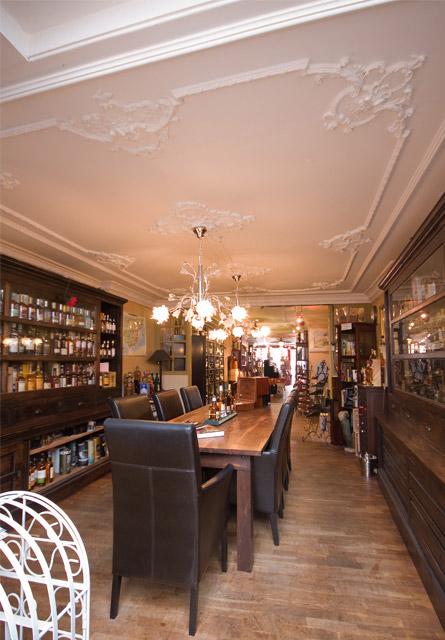 ornamentenplafonds in Wijnhandel de Butler